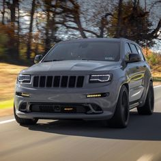 SRT Jeep Grand Cherokee - Love those rollers 😎 . 📸: You are in the right place a - Jeep Srt8, Jeep Jeep, Jeep Cars, Single Cab Trucks, Jeep Grand Cherokee Srt, Dodge Srt, Jeep Commander, Lux Cars, Cars Usa