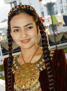 turkmen girl, turkmenistan