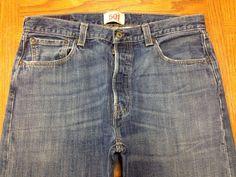 LEVIS 501 STRAIGHT LEG BUTTON FLY VINTAGE JEANS ACTUAL SIZE 34 x 30 EUC BEST W63 #Levis #ClassicStraightLeg