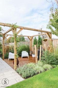 Bali Garden, Pergola Garden, Garden Yard Ideas, Backyard Patio Designs, Rooftop Garden, Garden Spaces, Garden Projects, Small Garden Landscape, Chinese Garden