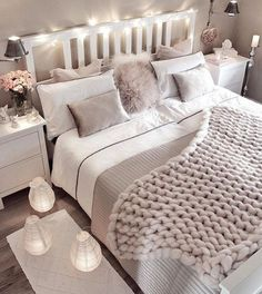 Small bedroom decorating ideas including cozy decor such as faux fur, lots of pillows, blankets, han Dream Rooms, Dream Bedroom, Home Decor Bedroom, Cozy Small Bedroom Decor, Girls Bedroom, Bedroom Themes, White Bedroom, Bedroom Inspo, Bedroom Colour Scheme Ideas