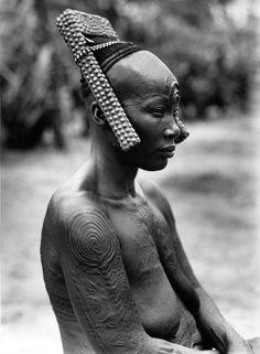 Africa   Bakutu woman. Boende, Tshuapa District, Equateur Province, Belgian Congo. ca. 1940/50s   Scanned vintage photographic print; photographer C. Lamote