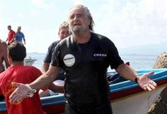 Grillo tries to conquer Sicily from the sea again. Not this time.