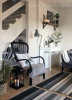 Furniture - Living Room : Grey and White Christmas Home - Decor Object Living Room Grey, Living Room Furniture, Home Furniture, Living Room Decor, Living Room Inspiration, Interior Design Inspiration, Home Decor Inspiration, Elegant Home Decor, Elegant Homes