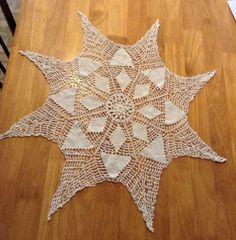 SHABBY CHIC TABLECLOTH  Vintage Round Eight Spoke Handcrafted Thread Crochet  | eBay