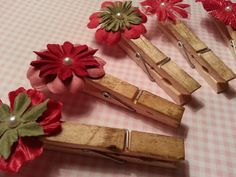 Christmas clips/clothes pins by Zopali on Etsy, $7.50