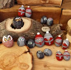 Christmas painting on stones and pebbles: 125 ideas for creativity with children (My desired home) – BuzzTMZ Rock Painting Ideas Easy, Rock Painting Designs, Painting For Kids, Diy Painting, Stone Crafts, Rock Crafts, Christmas Crafts, Christmas Pebble Art, Christmas Rock