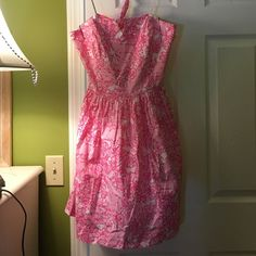 """Lilly Pulitzer Rochelle Dress in """"She's a Fox"""" Size 8, excellent quality! Just bought it from another posher who wore it only once, and I got it and it's too small :( it's in perfect condition and I wish I could keep it but it doesn't fit me. Willing to negotiate prices, I just really want to sell it so I can buy it in a bigger size!! Let me know if you have any questions Lilly Pulitzer Dresses"""