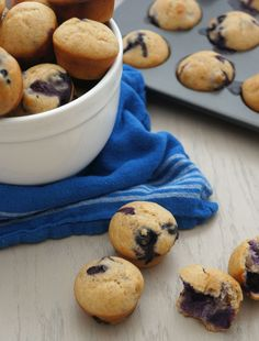 healthier muffin recipe! I'll be replacing the sugar with applesauce ...