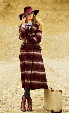 Пальто двубортное приталенного силуэта - выкройка № 126 из журнала 10/2014 Burda – выкройки пальто на Burdastyle.ru