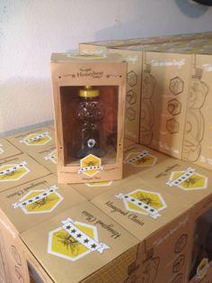Early Prototype - Original Honeybear Smoking Set, Packaging Front Shot Popcorn Maker, Honeycomb, Smoking, Kitchen Appliances, Packaging, The Originals, Diy Kitchen Appliances, Home Appliances, Honeycombs