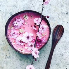 Beetroot #nicecream  via @the_sunkissed_kitchen ⭐️SAVE for later ⭐️ Frozen banana, almond milk + beetroot powder