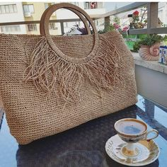 Basket Bag, Crochet Handbags, Straw Bag, Diy And Crafts, Purses, Shoe Bag, Sewing, Knitting, Handmade