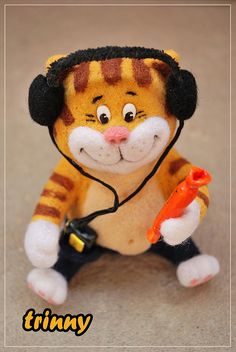 *NEEDLE FELTED ART ~ fat cat by -trinny