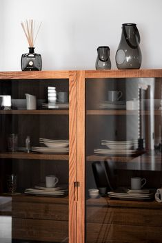 haus s - Möbelbau Breitenthaler, Tischlerei | @ elena egger Cabinet Ideas, China Cabinet, Modern, Asian, Japanese, Inspired, Storage, Inspiration, Furniture