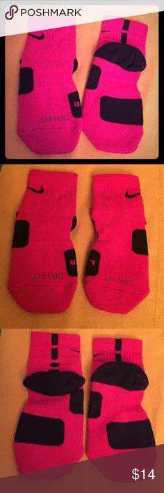 Nike High-Quarter Basketball Socks, 1 PR Authentic Nike High-Quarter Basketball Socks. Youth. Medium, 3Y-5Y. Also Women's, 4-6. Dri-Fit. Elite Cushioned. Red with Black Trim. Black Nike Swoosh on Each Side. 63% Polyester/18% Nylon/16% Cotton/3% Spandex. Brand New. Excellent Condition. No Trades. Nike Accessories Socks & Tights