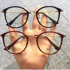 Glasses Frames Trendy, Nice Glasses, Glasses Trends, Lunette Style, Fashion Eye Glasses, Cute Sunglasses, Outfit Trends, Sunglass Frames, Mode Style