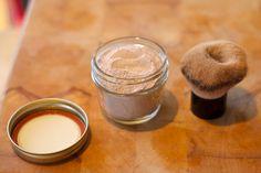 Ce mois-ci, on teste une recette de poudre libre pour le visage dénichée sur Pinterest! Tous les ingrédients, la méthode de préparation et nos impressions ici!