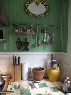 green painted beadboard to die for ♥