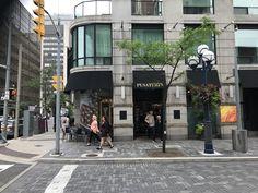Booking.com: Ferienwohnung Jet Furnished Suites Yorkville , Toronto, Kanada - 69 Gästebewertungen . Buchen Sie jetzt Ihr Hotel! Toronto Hotels, Ontario, Yorkville Toronto, U Bahn Station, Jet, Street View, Toronto Canada, Parking Space