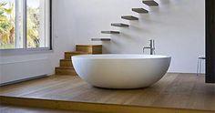 Bañera exenta Corian de diseño.