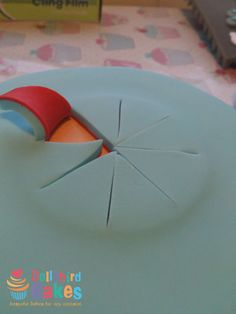 Cake explosion tutorial - by DollybirdBakes @ CakesDecor.com - cake decorating website