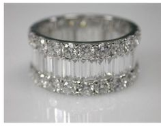 Love the mix of baguettes and round diamonds