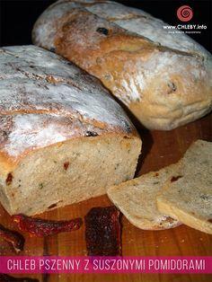 Chleb pszenny z suszonymi pomidorami i natką pietruszki