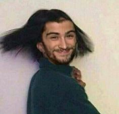 When you straighten your hair in less than an hour Four One Direction, One Direction Humor, One Direction Pictures, Direction Quotes, Larry Stylinson, Meme Faces, Funny Faces, Foto One, Harry Styles Memes