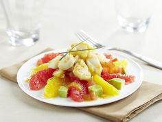 Salade vitaminée aux agrumes et cabillaud