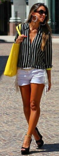 Gorgeous white casual shorts jeans with top stripes cute blouse and yellow leather hand bag and black high heels sandals the best summer street style outfits