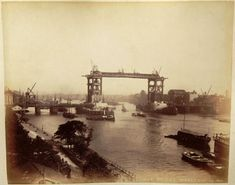 120-Year Old Photos of the Famous London Tower Bridge are Found by Accident   I Like To Waste My Time