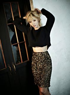 Black Knit Top Fashion of Kim Hyuna