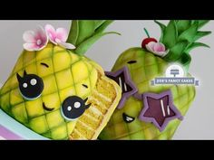 How to make a Kawaii pineapple cake! I have been wanting to make some fruit themed cakes for a little while now so I decided to start with a pineapple cake. Kawaii Pineapple, Kawaii Fruit, Pinapple Cake, Zoes Fancy Cakes, Sculpted Cakes, Sponge Cake Recipes, Cake Decorating Techniques, Tropical, Cake Tutorial