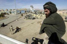 Ataque a aeroporto de Kandahar deixou, ao menos 37 mortos (foto: EPA)