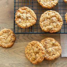 Havrecookies med sjokolade Muffin, Cookies, Breakfast, Desserts, Food, Crack Crackers, Morning Coffee, Tailgate Desserts, Deserts