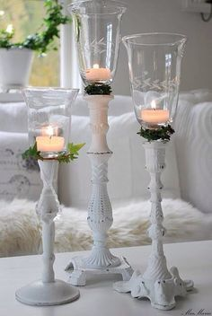 white and shabby candles Bougie Partylite, Bougie Candle, Candle Lanterns, Diy Candles, Romantic Candles, Candle In The Wind, Diy Candle Holders, Light Project, Shabby Vintage