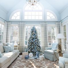 Gorgeous shades of blue to inspire your Christmas tree decor by @bluegraygal
