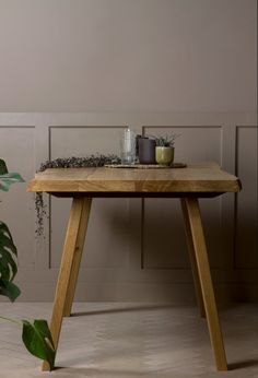 Konk ‖ 'Waney-Stöng' Live edge Dining Table ‖ Oak & Steel Dining Table, Meeting, Kitchen ‖ Bespoke sizes available! Bespoke Furniture, Solid Wood Furniture, Handmade Furniture, Steel Dining Table, Wooden Leg, Wood Creations, Diy, Rustic Kitchen, Beach