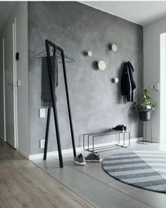 grey walls with wood hooks Entryway and Hallway Decorating Ideas Grey Hooks Walls Wood Room Interior, Interior Design Living Room, Interior Decorating, Decorating Ideas, Hallway Decorating, Wood Hooks, Flur Design, Entry Way Design, Grey Walls