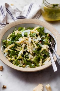 Lemon Basil Arugula Pasta Salad - Little Spice Jar Tuna Salad Pasta, Pasta Salad Recipes, Veggie Recipes, Vegetarian Recipes, Dinner Recipes, Arugula Salad, Greek Quinoa Salad, Arugula Recipes, Recipes