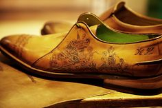 Leather tattooed shoes