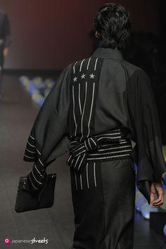 Kimono by Jotaro Saito Fashion Brand, Fashion Models, Mens Fashion, Fashion Design, Japanese Streets, Japanese Street Fashion, Harajuku Fashion, Japan Fashion, Male Kimono