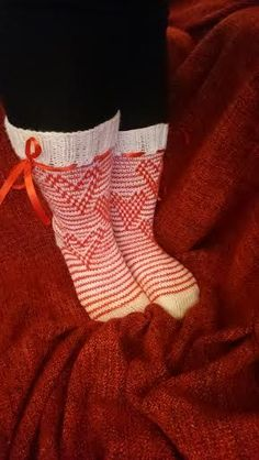 Christmas Stockings, Socks, Knitting, Holiday Decor, Tuli, Home Decor, Homemade Home Decor, Tricot, Breien