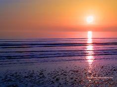 Desktop wallpaper of sunset over gentle ocean at Walney Island, Cumbria