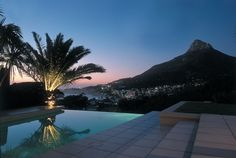 LIONS VIEW ENTIRE - Holiday Accommodation in CAMPS BAY, Cape Town, South Africa