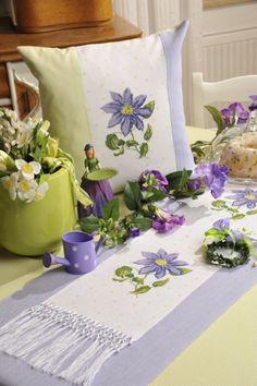 Clematis ... Design : Gerlinde Gebert Shop: www.gebert-handarbeiten.de