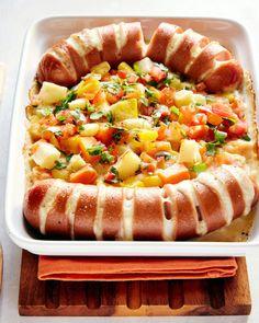 Resepti - Uunimakkara bataatti-juuresgratiinilla - Apetit Food N, Good Food, Food And Drink, Yummy Food, Food Tasting, Sweet And Salty, Food Hacks, Tapas, Bakery