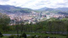 #Bilbao, #Funicular_de_Artxanda para subir al monte Artxanda y admirar las espectaculares #vistas_de_Bilbao, pasear, hacer deporte y disfrutas de las deliciosa #gastronomía_vasca. Bilbao, España