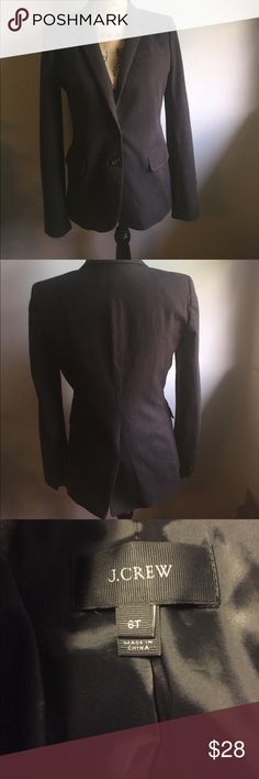 J Crew Blazer Women's Sz 6 6t J Crew blazer, two buttons and inside and two outside pockets. Dark brown. So sharp! Perfect condition. J. Crew Jackets & Coats Blazers